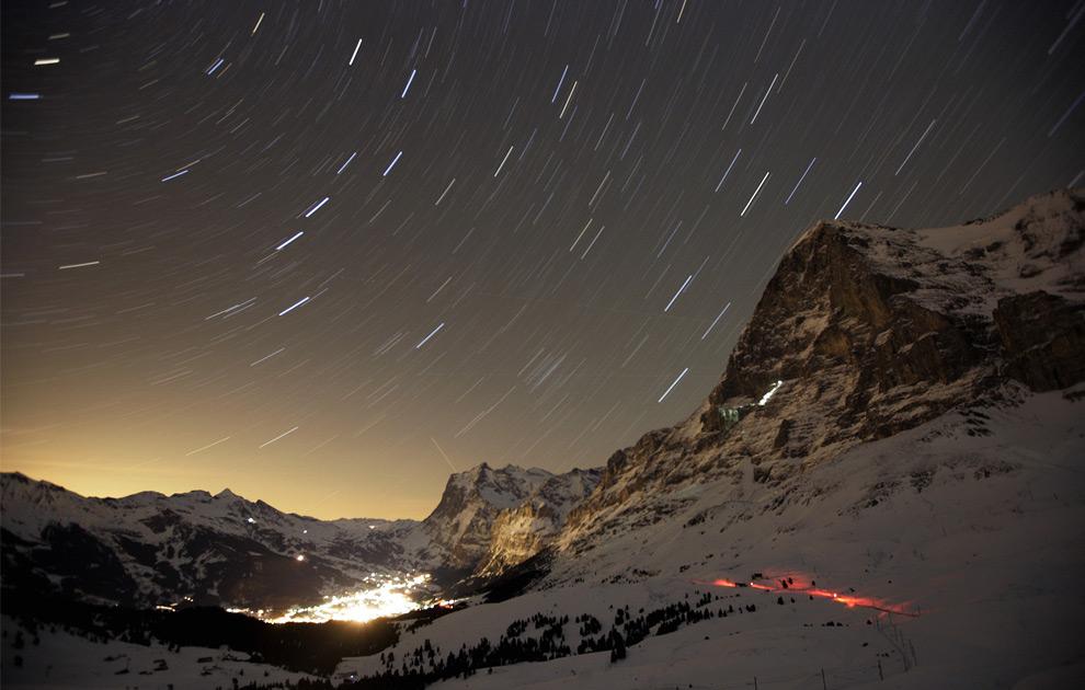 Швейцарский горный курорт Grindelwald с северной стороны горы Eiger. 10 января 2008 год. REUTERS/Stefan Wermuth