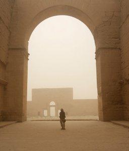 Руины Хатра в пустыне Jazeerah, Ирак. 20 июля 2008 год. Lance Cpl. Albert F. Hunt, U.S. Marine Corps.