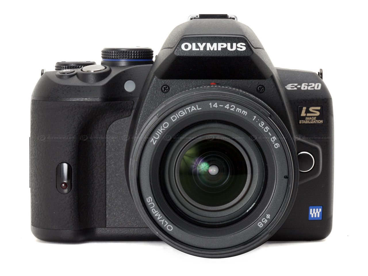 Olympus E-620 - самая компактная зеркалка в мире